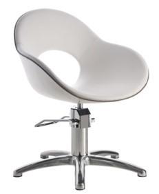 Sedie poltrone lavatesta e specchi per parrucchieri for Poltrone parrucchiere usate