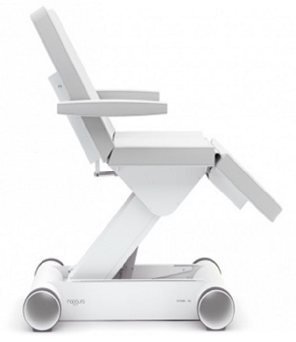 Poltrona d'estetica con telecomando e pedaliera